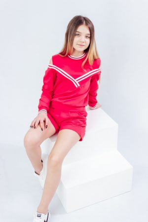 Красный комплект с шортами для девочки - 134 см