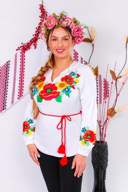 Вышиванка женская с длинным рукавом.
