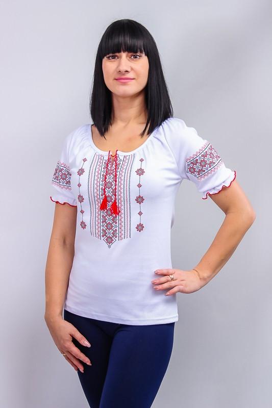 Вышиванка женская с коротким рукавом.